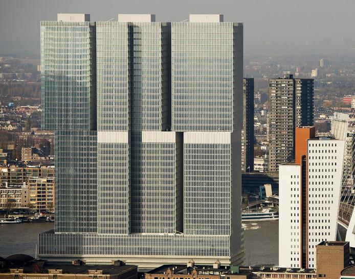 Het vorig jaar opgeleverde De Rotterdam, ontworpen door Rem Koolhaas, is het grootste gebouw van de Benelux.