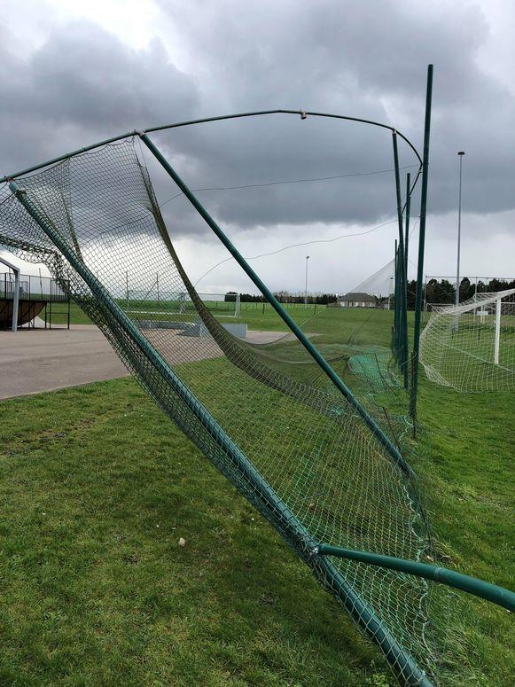 TIELT-Winge-stormschade voetbal