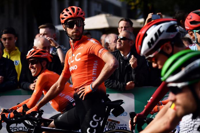 Ten Dam bij de start van de Ronde van Lombardije.