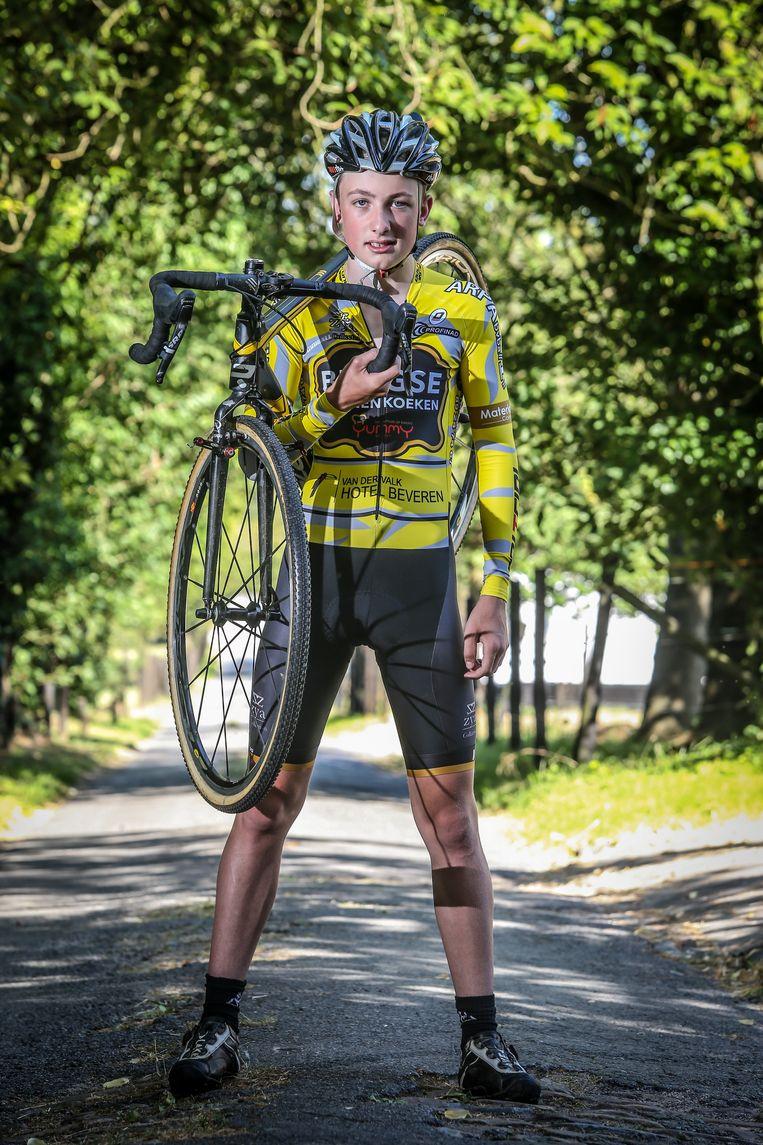 De kinderen en hun passies staan centraal bij Katleen en Wim. Lukas (14) is een beloftevolle veldrijder, ...