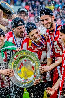 Ajax heeft het altijd lastig in Eindhoven, PSV aast op record uit 2003