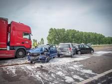 A326 weer open nadat vrachtwagen inreed op file