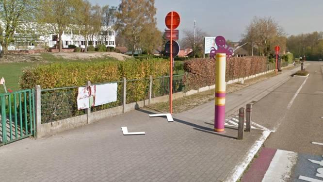 Octopus anti-parkeerpalen aan Landense scholen, met dank aan Vlaanderen