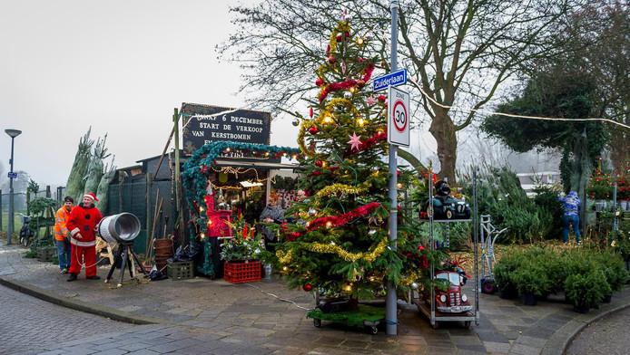 Mensen Zoeken Een Klik Met Een Kerstboom Rotterdam Ad Nl