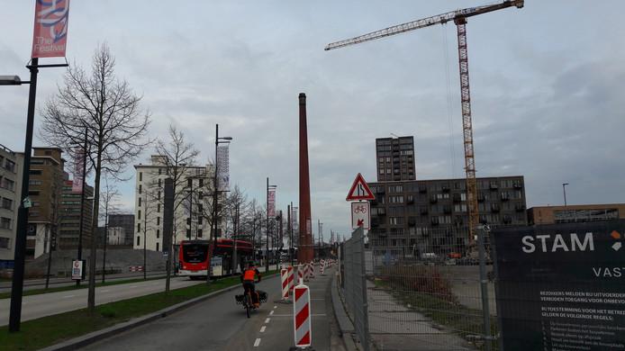 Bouw van nieuwe woningen: plan S1, Sixty5, in de Spoorzone, aan de Philitelaan/spoor op Strijp-S in Eindhoven.
