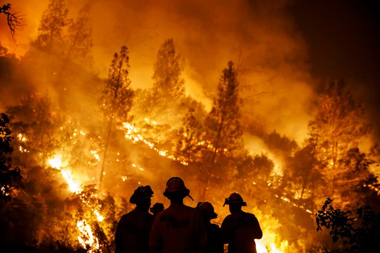 In de Amerikaanse staat Californië hebben de natuurbranden die de regio al sinds midden juli teisteren, een tiende dode veroorzaakt. Een 40-jarige brandweerman die de brand Carr bestreed en reageerde op een oproep, is omgekomen in een auto-ongeval in de county Tehama.