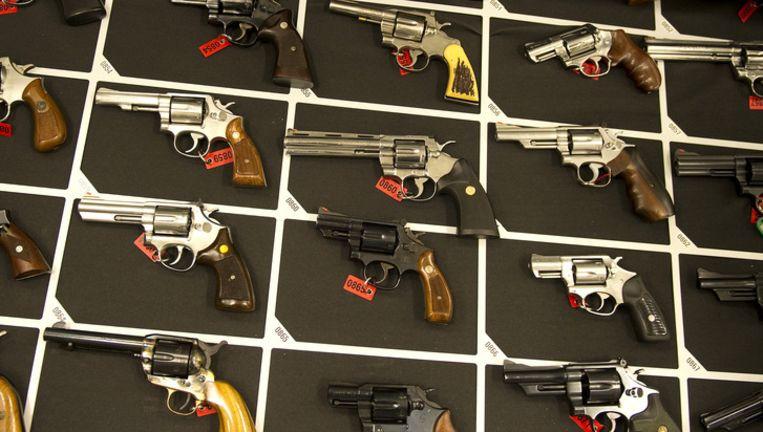 Een partij wapens. Deze wapens hebben niets te maken met de vondst in Almere. Foto ANP Beeld