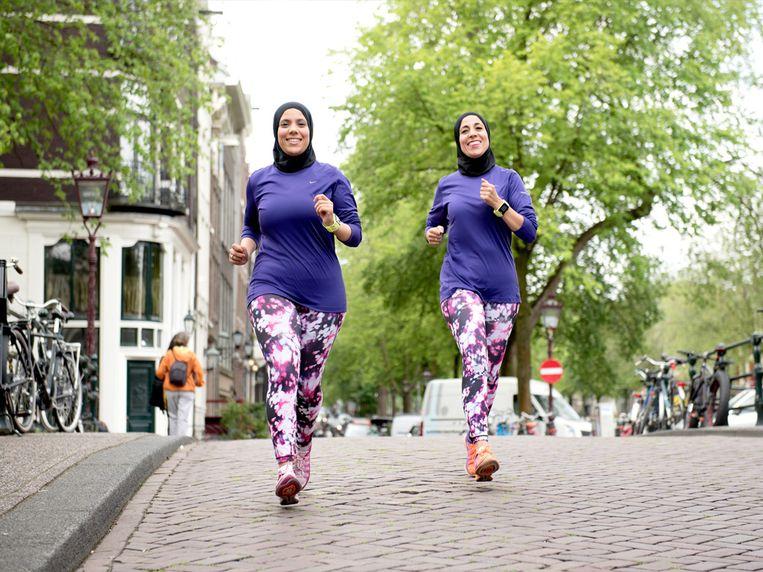 De Healthy Sisters: Rachida en Najima Kharbouch Beeld