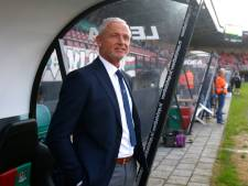 Woedende NEC-trainer geniet tijdens zijn debuut