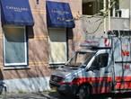 Kledingdieven knallen tegen boom in Breda, daders op de vlucht