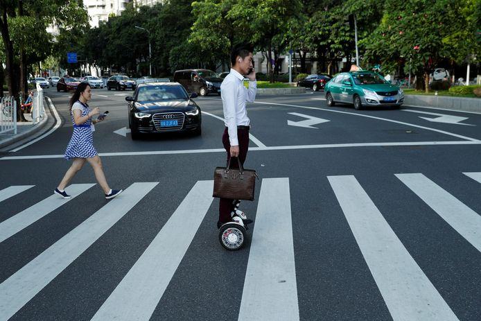 In China is de hoverboard al heel gewoon in het straatbeeld van grote steden.