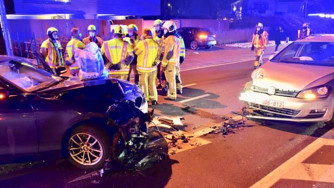 Geen gewonden bij zware frontale klap langs Gentseweg