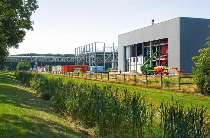 De biomassacentrale van Attero in Odiliapeel toen die nog in aanbouw was. donderdag is de officiële opening.