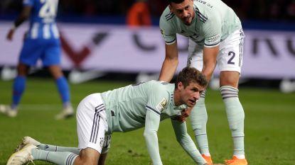 FT buitenland. Bayern gaat de boot in bij Hertha - Leeds slikt wereldgoal na een ware raket van Sheffield Wednesday-speler