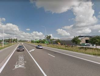 Rijksweg (N36) blijft valkuil voor te snelle automobilisten: jonge automobilist krijgt boete en rijverbod