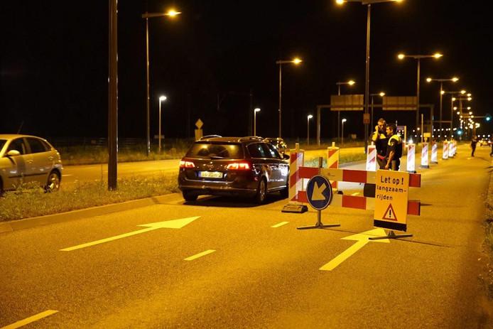 Vannacht hield de politie controles op de toegangswegen van Deventer