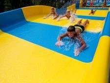 Jeugd Twenterand kan komende twee jaar goedkoop zwemmen: 'Voor dat houtje-touwtje zwembad is dit al teveel'