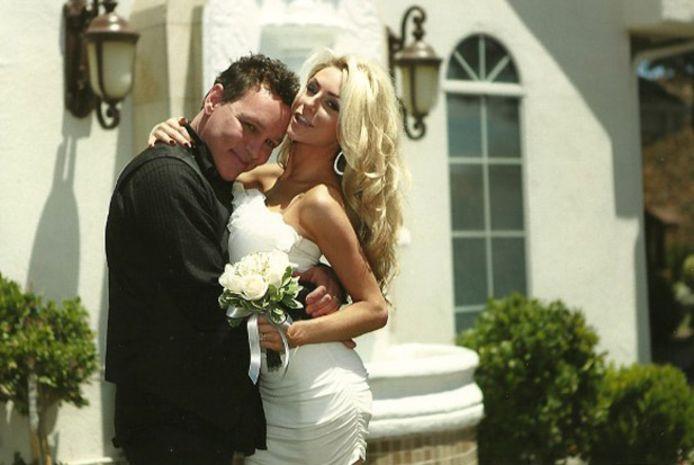 Brians nieuwe vlam Courtney trouwde in 2011 met Doug Hutchinson.