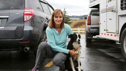Vrouw zegt job op om haar verdwenen hond te zoeken en na 2 maanden heeft ze haar terug