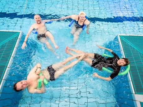 Zwemlessen voor mensen met beperkingen en handicaps in gevaar door financiële nood