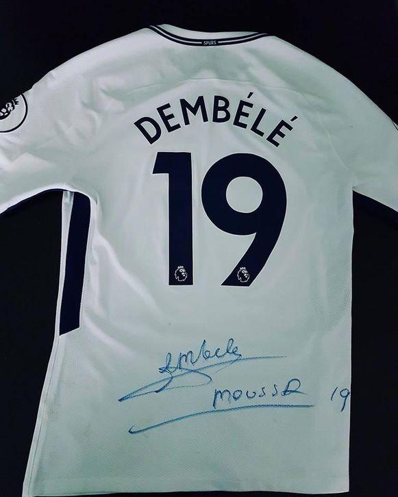 Dembélé tekende zijn nummer 19 van bij Tottenham.