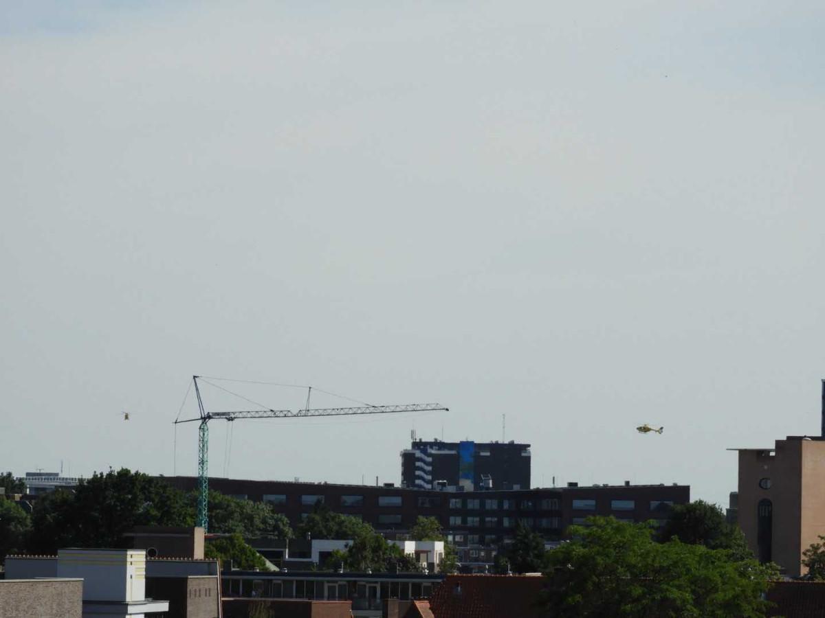 De twee helikopters