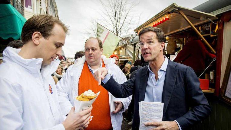 VVD-leider Mark Rutte op campagne in Leiden. Beeld anp