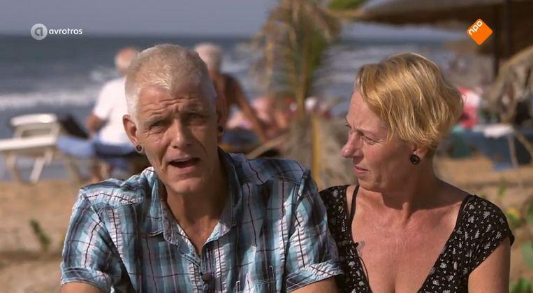 Theo en Jolanda begonnen een pannenkoekenbar in Gambia Beeld Still uit aflevering van Ik vertrek