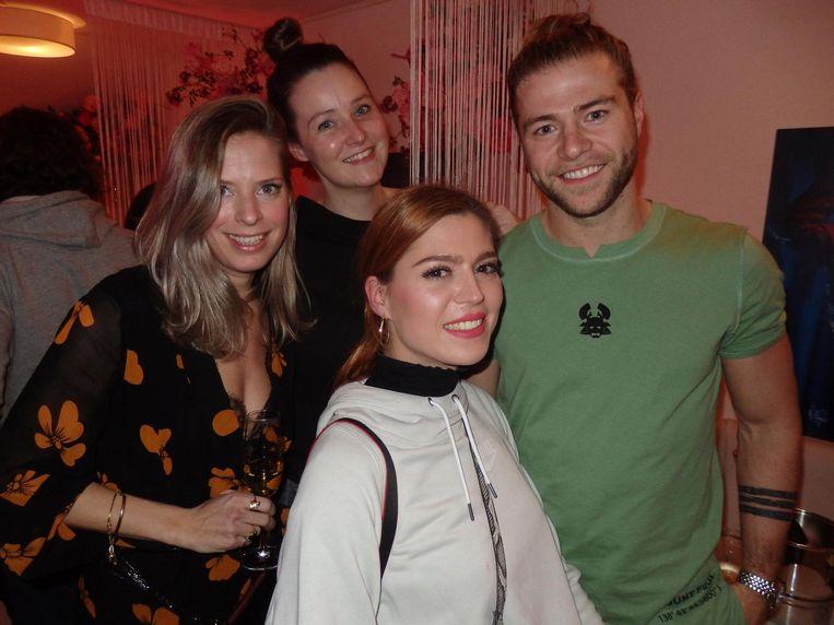 Machteld Schmidt (Your Ambassadrice), Wendy van Poorten (&C), Annette Oerlemans (Annet Raket) en Thijs Bouma (Thyson B.) moesten ook werken Beeld Schuim