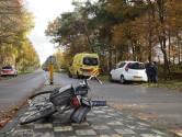 Fietser naar het ziekenhuis na botsing met auto in Loon op Zand