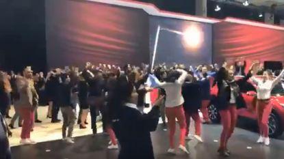 Flashmob voor laatste dag Autosalon