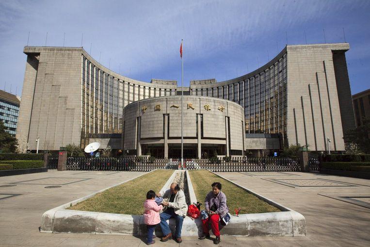 Opvallend is dat de Utrechtse bank voor de 'groeimotor' van de wereldeconomie China dit jaar een bescheiden bbp-stijging van 3,5 procent voorziet na jaren van (bijna) dubbelcijferige groei. Om sociale onrust te voorkomen zal de Chinese overheid een percentage van 6,5 procent publiceren, menen de Rabobank-economen. Foto EPA Beeld