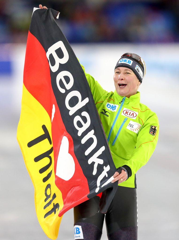 De 44-jarige Claudia Pechstein na haar vierde plaats op de 5000 meter tijdens de wereldbekerwedstrijden in Thialf. Beeld anp
