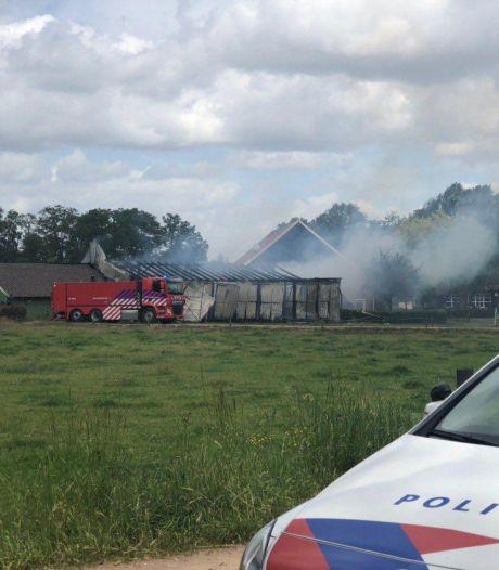 Gewonde door brand in schuur met houtopslag in Winterswijk