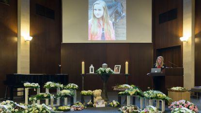 """Massale opkomst voor afscheid Nikita (16): """"We gaan die eeuwige glimlach missen"""""""
