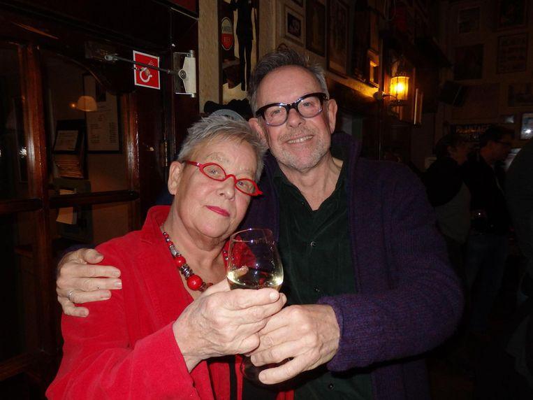 Marijke Kooi en Niels Wolf van de borrelcommissie. Marijke: