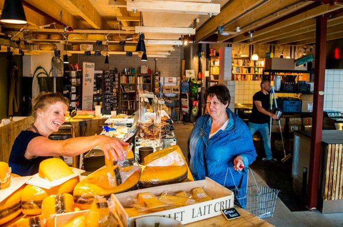 De Fenix Food Factory op Katendrecht komt niet in aanmerking voor noodsteun van het kabinet en lijdt daardoor nog zwaarder onder de crisis.
