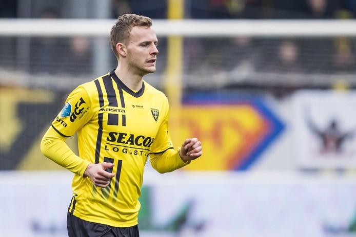 Spits Lennart Thy gaat voor anderhalf jaar tekenen bij PEC Zwolle.