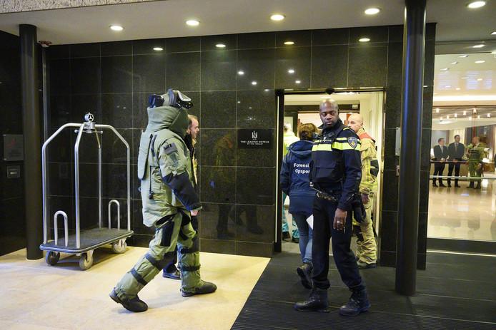 De Explosieven Opruimingsdienst Defensie deed begin januari onderzoek bij het Amsterdamse hotel Okura, nadat hier een bombrief was bezorgd.