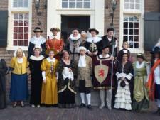 Historische kleding op Schelluinse catwalk