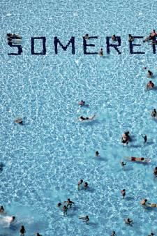 Vrouwen knokken bij openluchtzwembad Someren