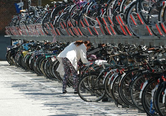De fietsenstalling bij het station in Middelburg.