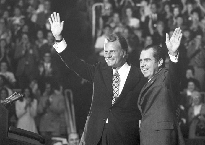Graham met Richard Nixon in 1971.