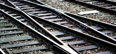 Treinverkeer tussen Deventer en Zutphen twee uur stil na aanrijding in Eefde