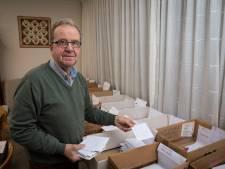 In Hattem sturen ze voor het goede doel alleen maar meer kerstkaarten