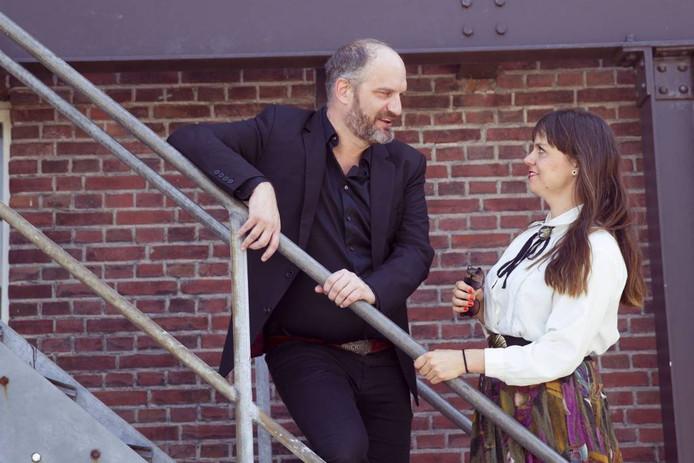Elco Weitering (Johnny) en Kim Wolterink (June) van Def Americans foto Jurriaan Balke/fotomeulenhof
