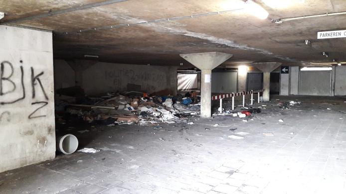 Garage Huren Utrecht : Utrecht: huurders uit illegaal gebruikte garageboxen in overvecht