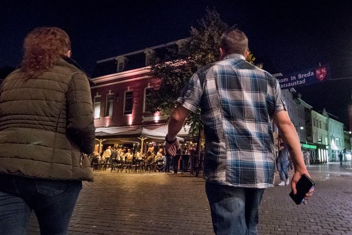 Handhavers van de gemeente Breda zijn afgelopen weekend voor de tweede keer in burger de kroegen ingegaan om minderjarigen te controleren op alcoholgebruik.