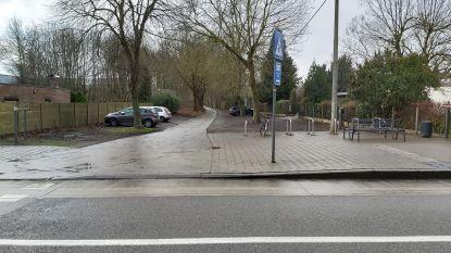 Verkeersborden moeten vrachtwagens weren van Ravel-fietspad