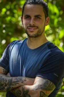Elroy uit Mierlo doet mee aan Expeditie Robinson: 'Mijn vriendin beviel 2 weken voordat we in het vliegtuig stapten'